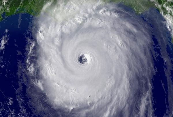 Hurrikan - Eigentlich ja kein Phallusobjekt, es fällt so mittig eher ein Loch auf....